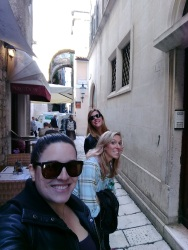 Narrow lanes with Drea and Rie
