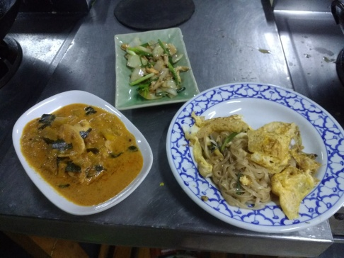 Penang curry & pad thai - yum!